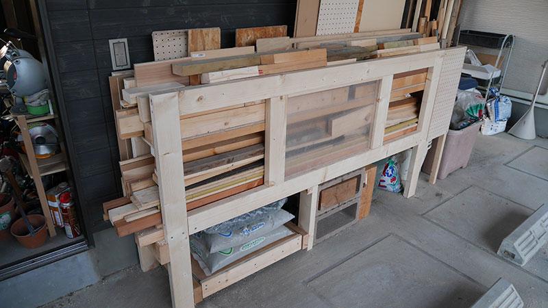 木材保管棚を作りました。